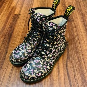Doc Martens Clemency Tydee Floral Boots Womens 9